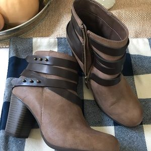 Steve Madden size 7 brown boots